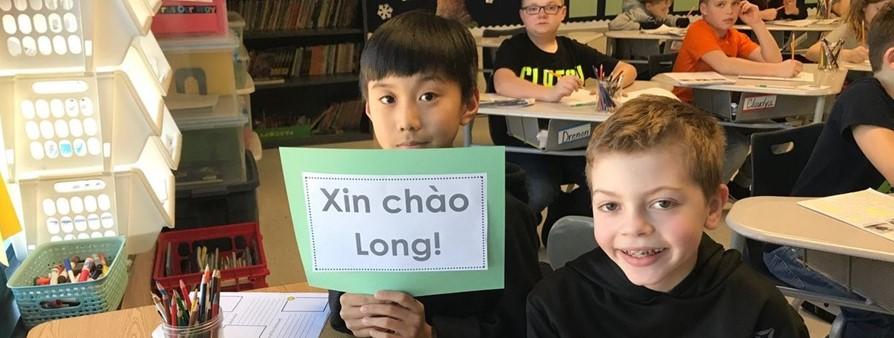 Xin chao, Long!
